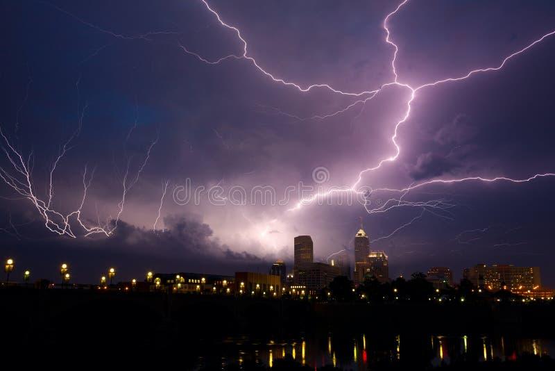 在风暴的城市 免版税图库摄影