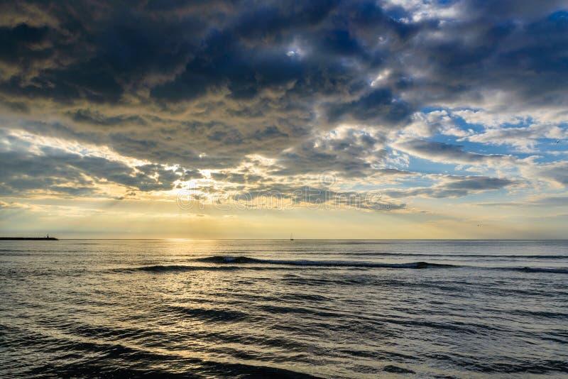 在风雨如磐海运的天空 免版税图库摄影