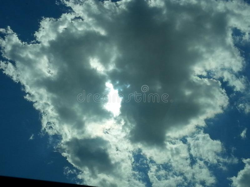 在风暴以后的亮光 库存图片