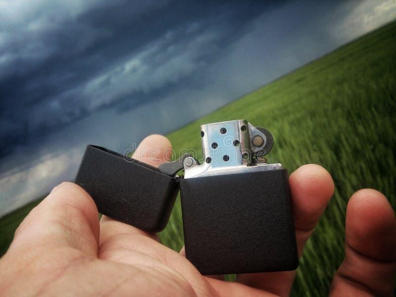 在风暴的打火机 免版税库存图片
