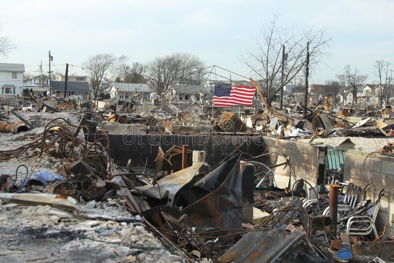 在飓风桑迪后的被烧的房子在通风点, NY 免版税图库摄影