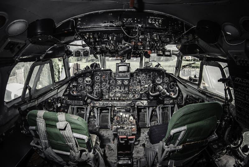 在飞机驾驶舱里面 皇族释放例证
