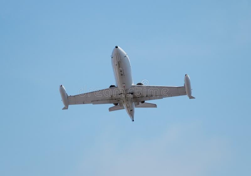 在飞行中超级声波军用喷气机 免版税库存图片