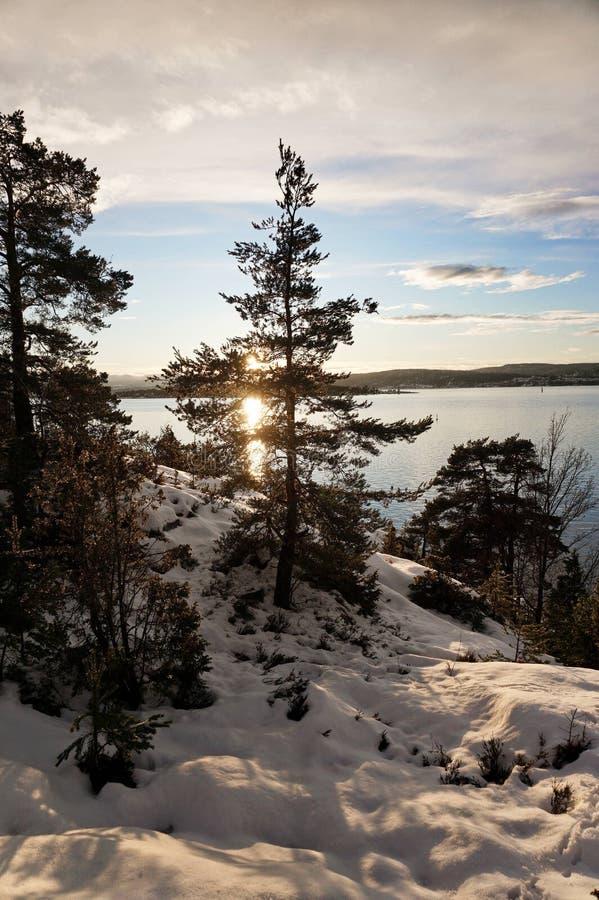 在飞雪以后的镇静山 库存照片