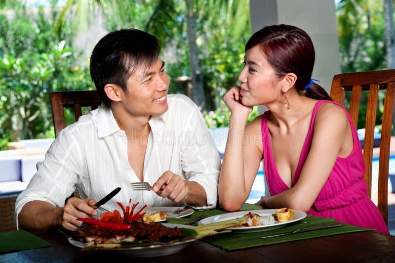 在餐馆的夫妇 图库摄影