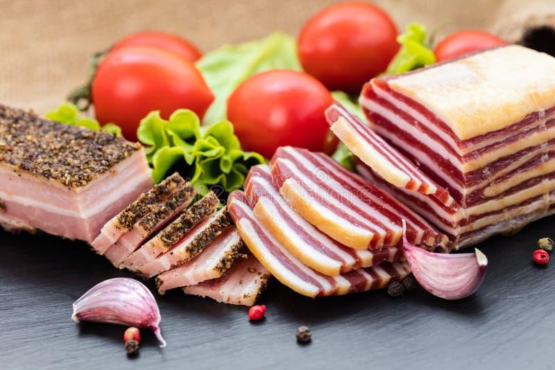 在香料和菜的烟肉 免版税图库摄影