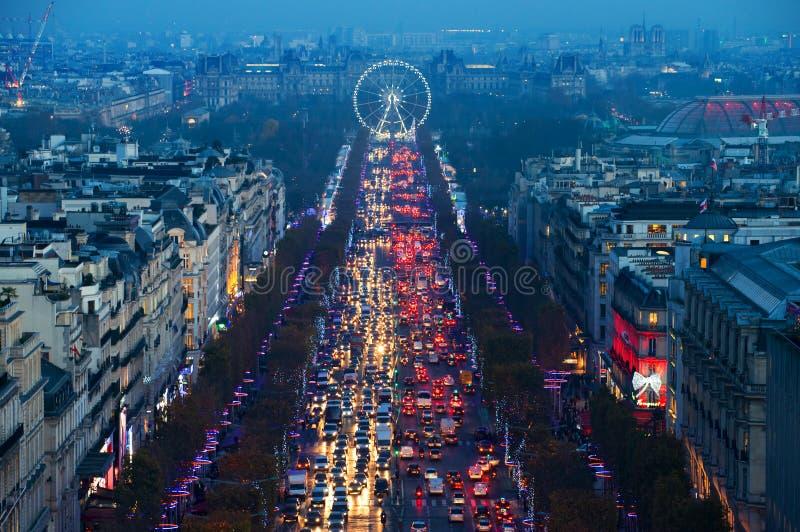 在香榭丽舍大街的光在巴黎,法国 库存照片