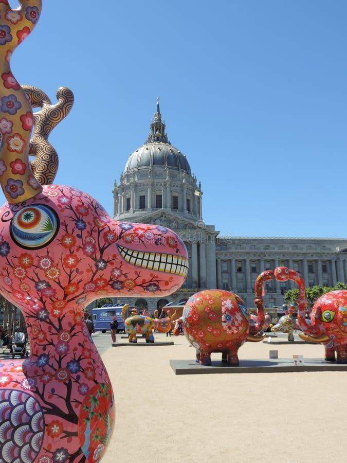 在香港大会堂前面的艺术在旧金山 免版税图库摄影