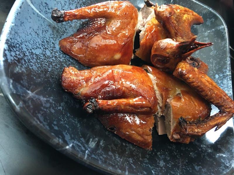 在香港样式的烤鸽子 库存图片