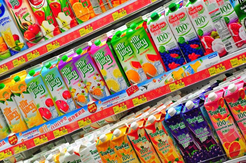 在香港超级市场的新鲜的汁液 免版税库存照片