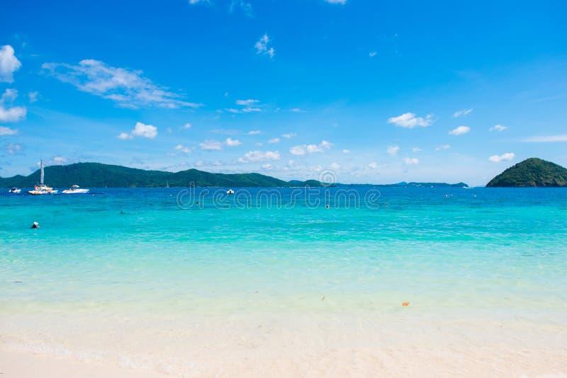 在香蕉海滩,珊瑚岛,酸值的热带海滩嘿,普吉岛 免版税库存图片