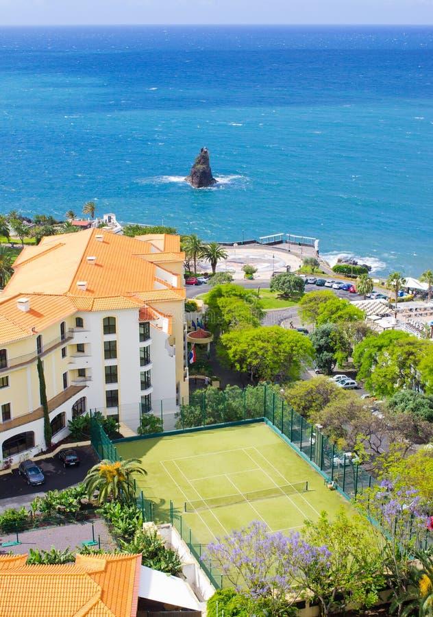 在马德拉岛海岛上的网球场 库存图片