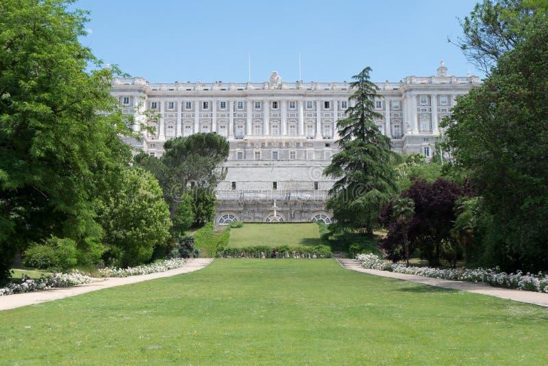 在马德里附近,西班牙王宫的庭院  免版税库存图片