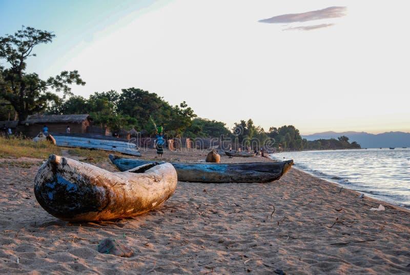 在马拉维湖的独木舟 库存照片
