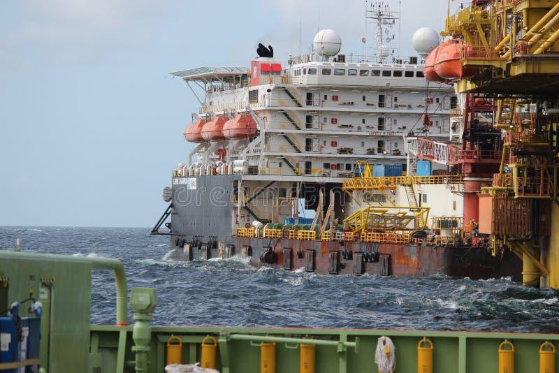 在马来西亚沿海的石油&天然气勘探 库存图片