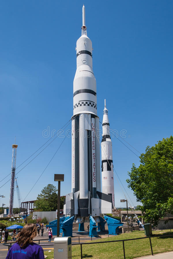 在马歇尔太空飞行中心的土星火箭 库存照片