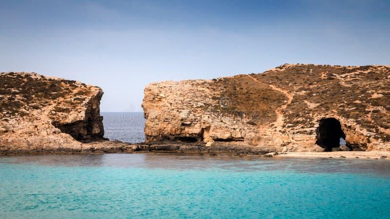 在马耳他附近的科米诺岛海岛 库存照片