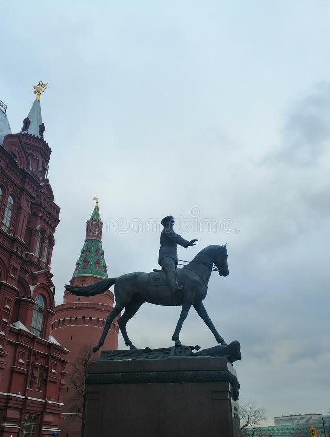 在马背上安排的纪念碑 库存图片