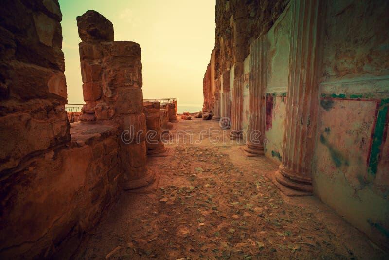 在马萨达堡垒的日出 希律王国王` s宫殿废墟  库存照片
