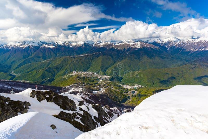 在高加索山脉的滑雪胜地,罗莎峰顶,索契,俄罗斯 图库摄影