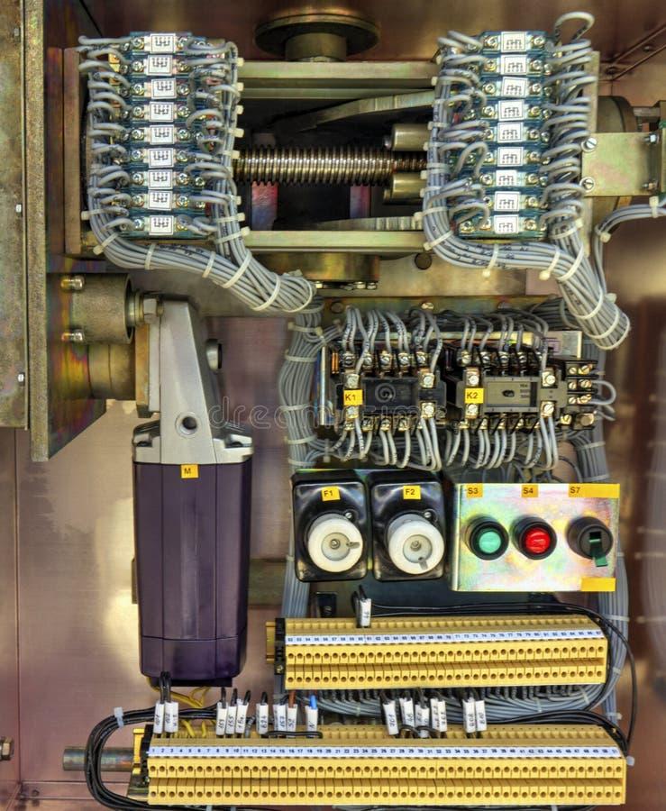 在高压断开器电子控制台室里面看法  图库摄影