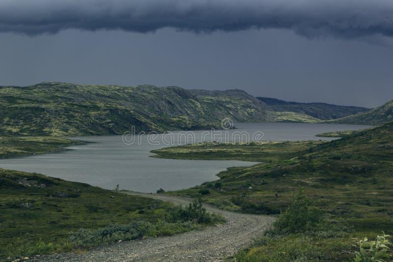 在高地的接近的风暴前面 免版税库存图片