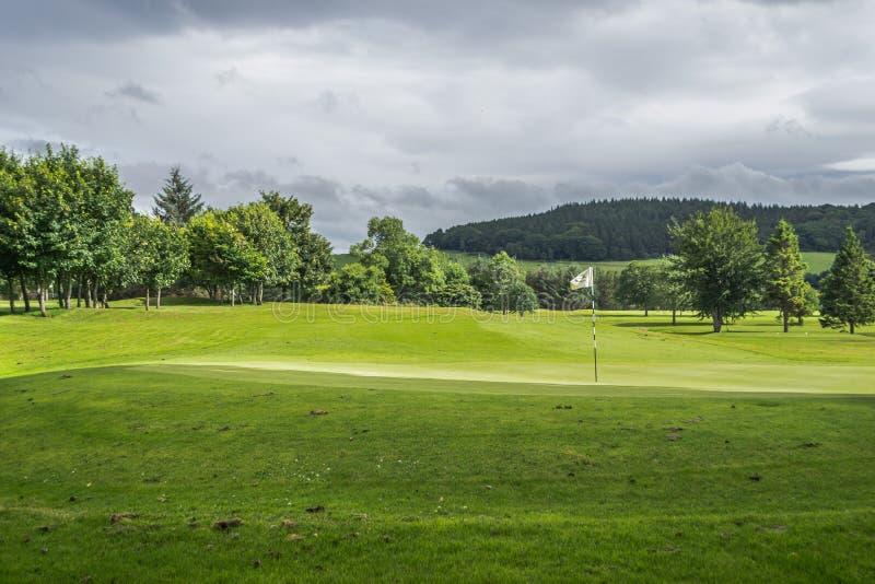 在高尔夫球场的标志 免版税库存照片