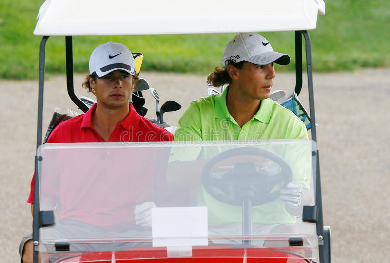 在高尔夫球汽车的Nadal 库存照片