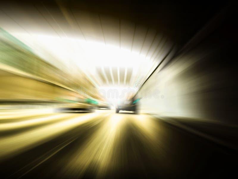 在高速公路的快速车 库存照片