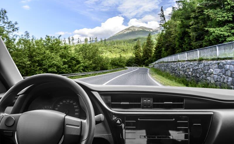 在高速公路的汽车 免版税图库摄影