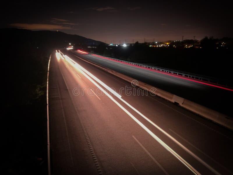 在高速公路的长的曝光 图库摄影