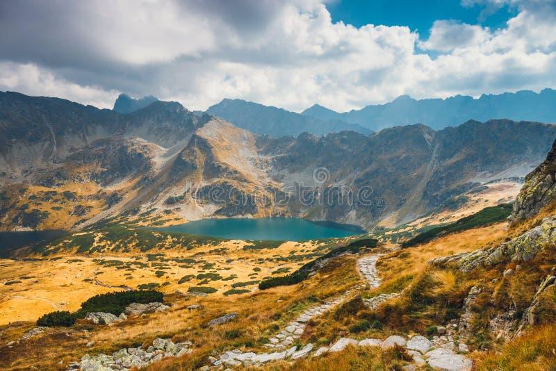在高Tatra山的五个湖谷,波兰 库存图片