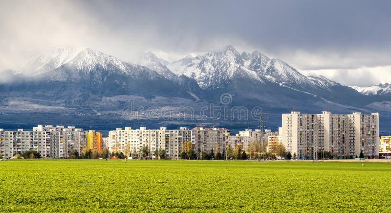 在高Tatras附近的邻里 免版税库存图片