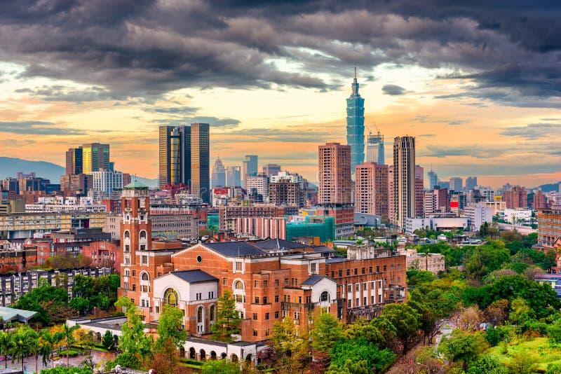 在黄昏的台北,台湾都市风景 免版税库存图片