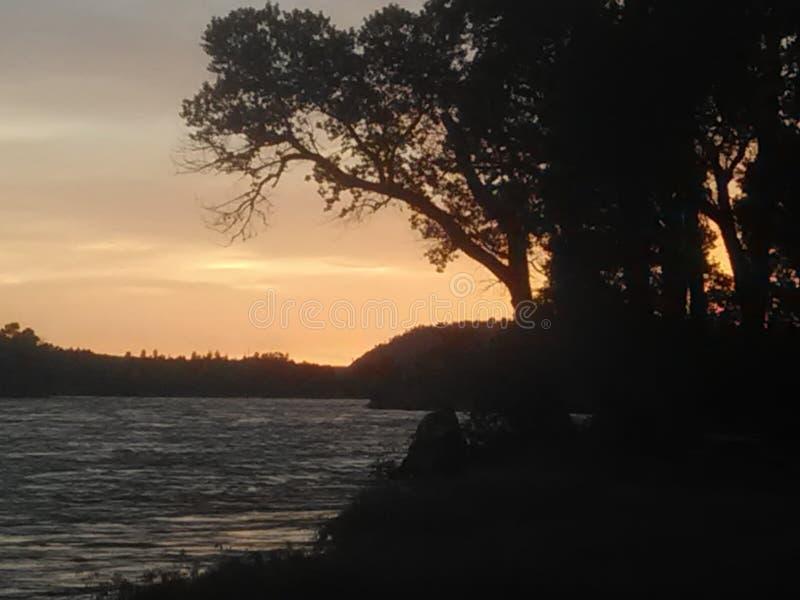 在黄石河的日落在蒙大拿 库存照片