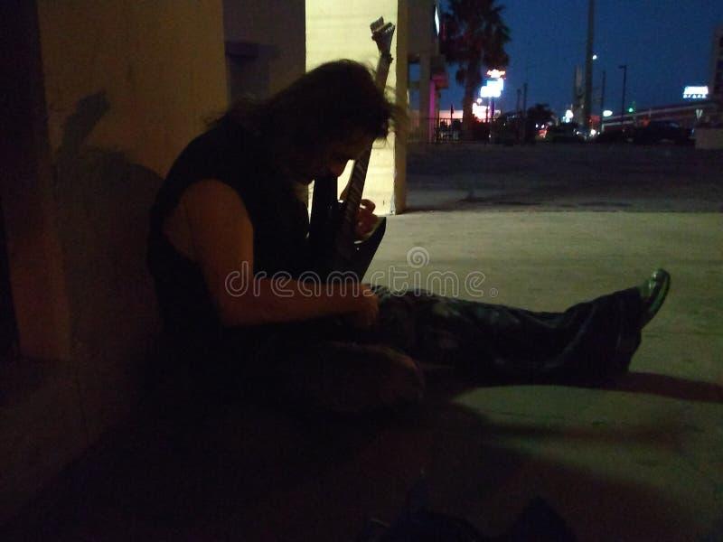 在黑暗的吉他 图库摄影