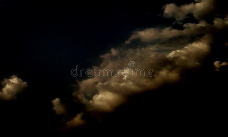 在黑暗的抽象烟 库存照片