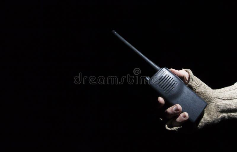 在黑暗的携带无线电话 库存照片