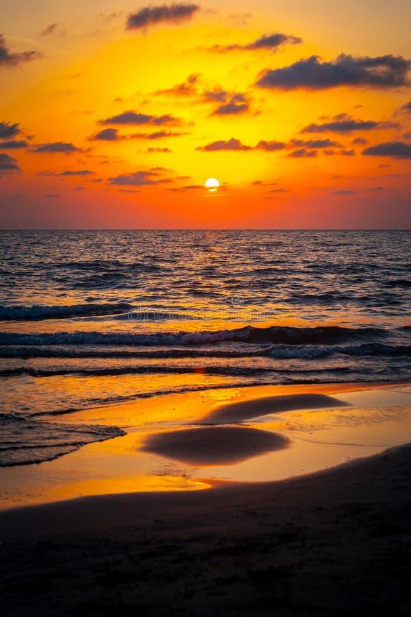在黑海的美好的日落 金海日落 波季,乔治亚 免版税图库摄影