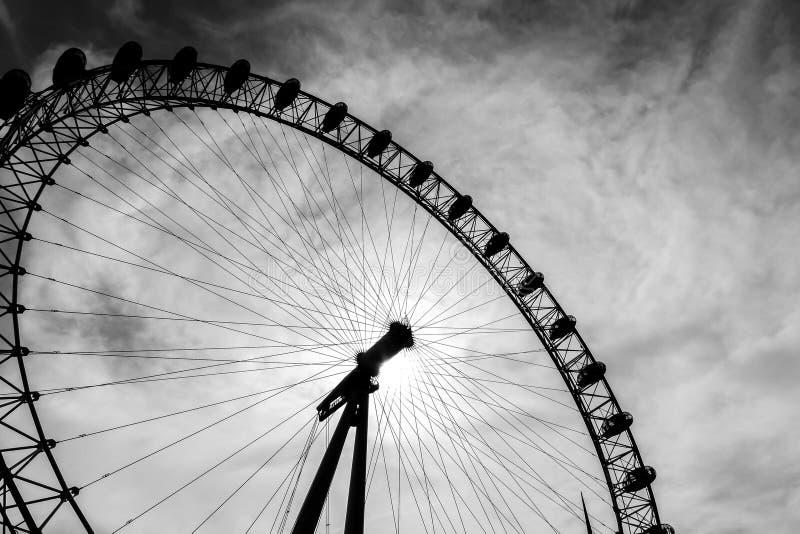 在黑白照片的伦敦眼 免版税库存图片