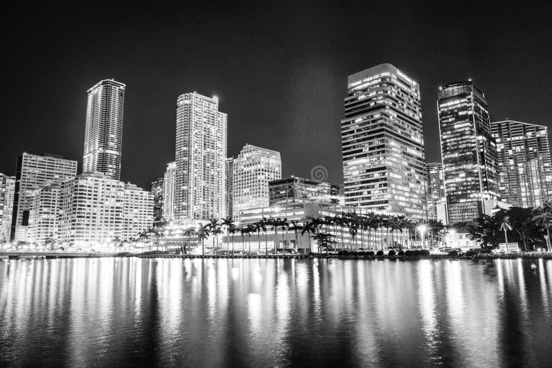 在黑白的迈阿密街市地平线建筑学 免版税库存照片