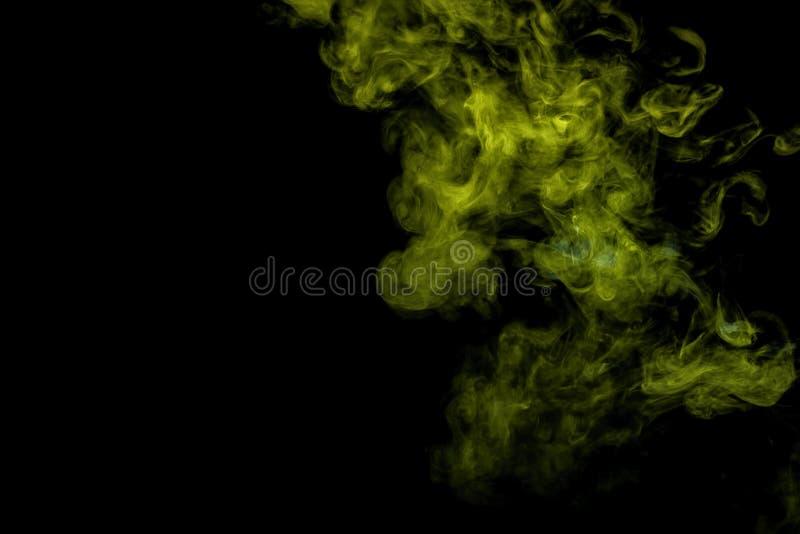 在黑的抽象派彩色烟幕被隔绝的 免版税库存图片