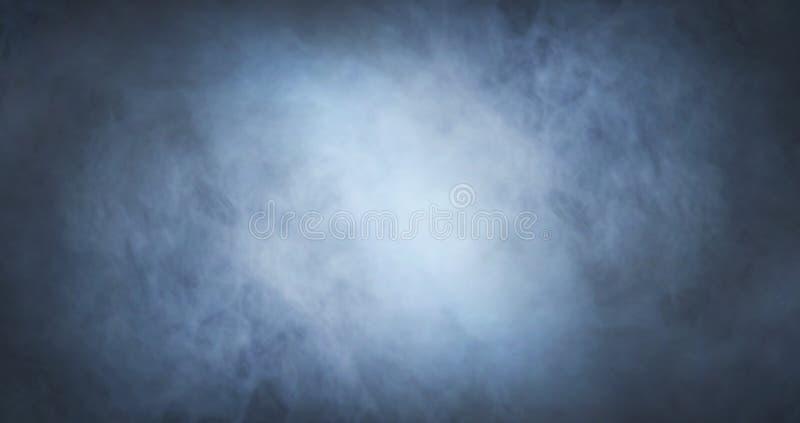 在黑背景的抽象烟纹理 雾在黑暗中 库存照片