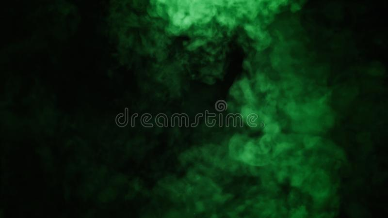在黑背景的抽象绿色烟薄雾雾 纹理 设计要素例证图象向量 免版税库存图片