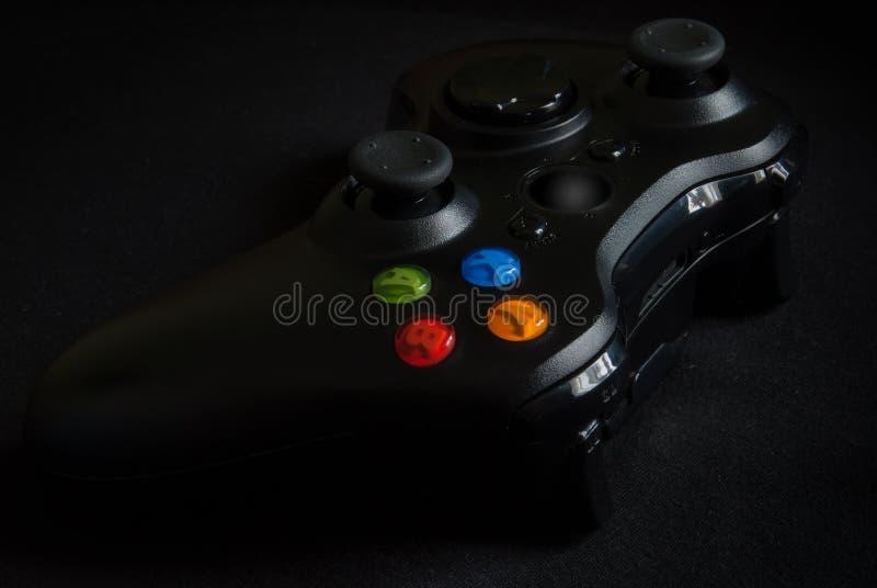 在黑背景的Gamepad 免版税库存照片