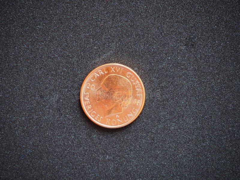 2在黑背景隔绝的瑞典克朗硬币Sverige克朗后部 免版税库存照片