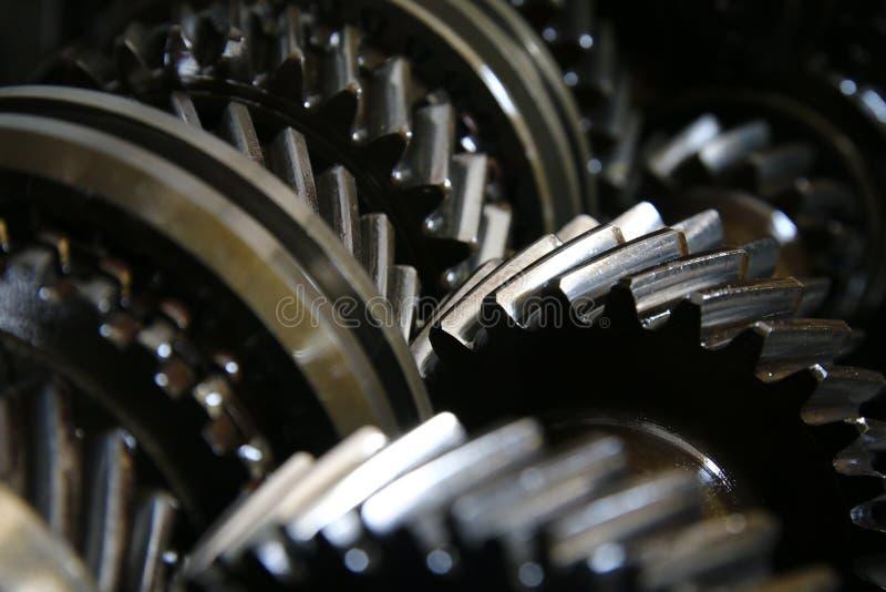 在齿轮的特写镜头自动传输传动箱-系列7 库存图片