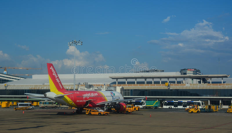 在素万那普机场的民用aircarft 库存图片
