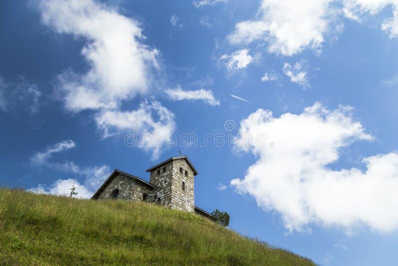 在登上瑞吉峰顶部的教堂 库存图片