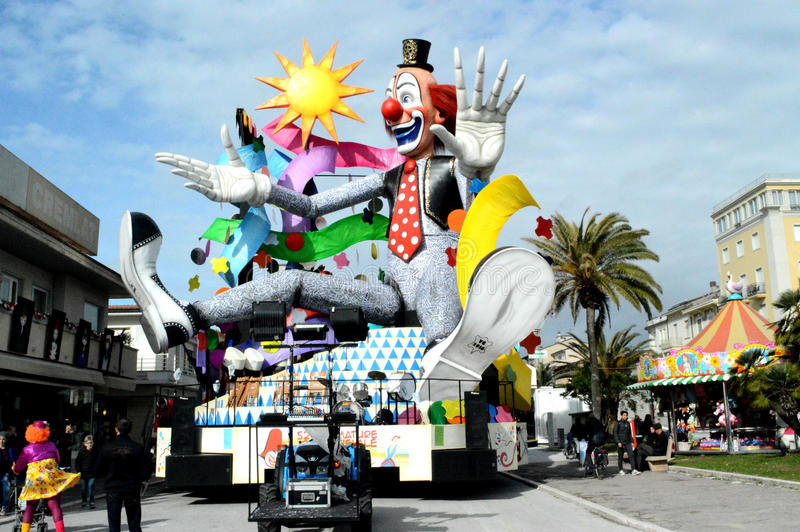 在维亚雷焦狂欢节的小丑floatl 库存照片